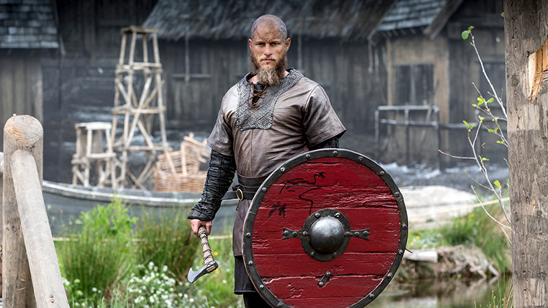 Трэвис Фиммел на съемочной площадке «Викингов»