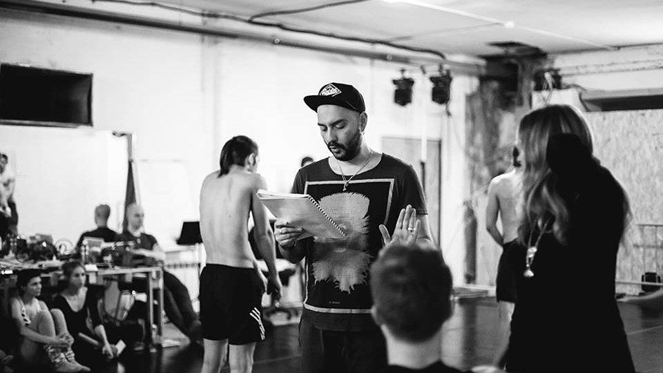 Кирилл Серебренников на репетиции спектакля в «Гоголь-центре» / Фото: «Гоголь-центр»