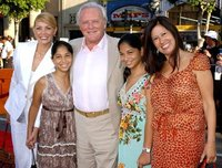Энтони Хопкинс с семьей