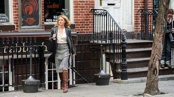 Наоми Уоттс насъемках сериала «Цыганка»/ Фото: Getty Images