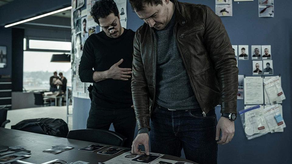 Сериалы декабря: «Черное зеркало» и новая экранизация Джорджа Мартина