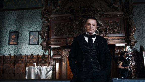 Олег Меньшиков на съемках фильма «Гоголь»