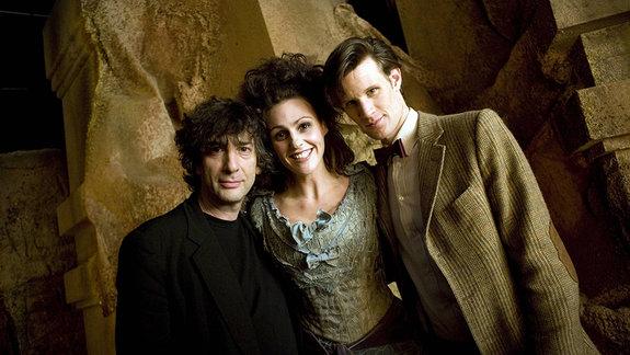Нил Гейман и актеры современной версии сериала «Доктор Кто»