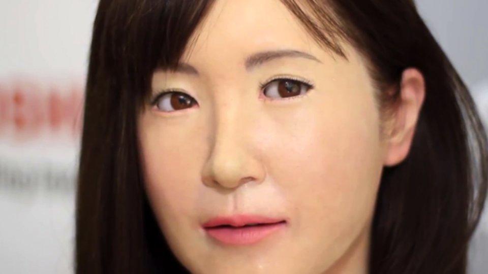 Женщина-робот, созданная компанией Toshiba