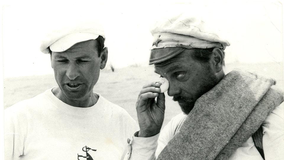 Владимир Мотыль и Анатолий Кузнецов на съемках «Белого солнца пустыни»