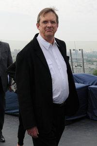 Майк Ньюэлл