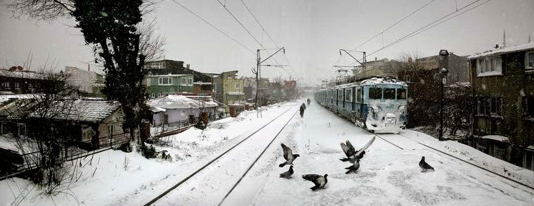 Suburban train, Istanbul, 2004 / Фото: nuribilgeceylan.com