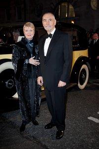 Майкл Дж. Уилсон с супругой