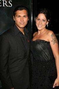 Адам Бич с женой Тарой