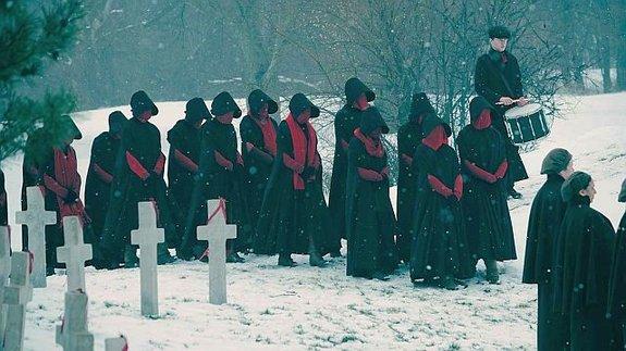 Трейлер второго сезона сериала «Рассказ служанки»: Да будет кровь