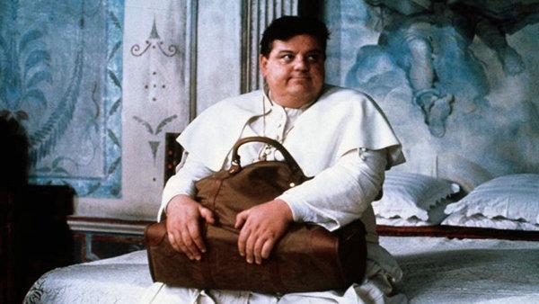 Кадр из фильма «Папа римский должен умереть»