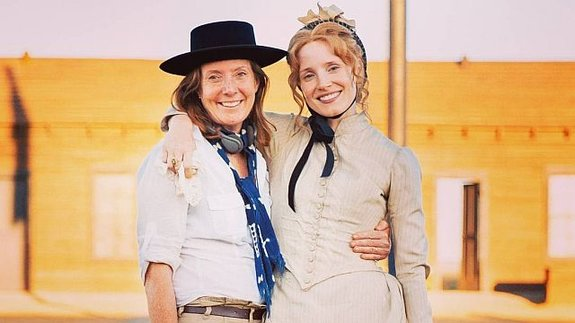 Сюзанна Уайт и Джессика Честейн на съемках