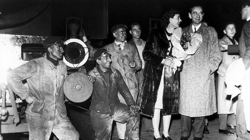 Каннский фестиваль 1946 года: Дэвид Лин и  актриса Селия Джонсон / Фото: Getty Images