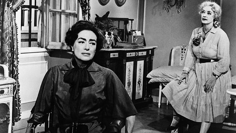 Джоан Кроуфорд и Бетт Дэвис в фильме «Что случилось с Бэби Джейн?»