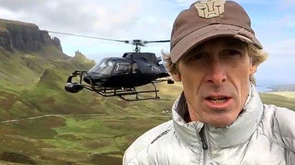 Кадр из видео в инстаграме Майкла Бэя