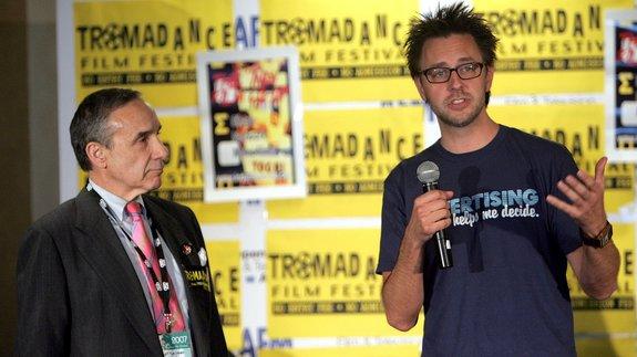 Создатель студии Troma Ллойд Кауфман и Джеймс Ганн в 2007 году / Фото: Getty Images