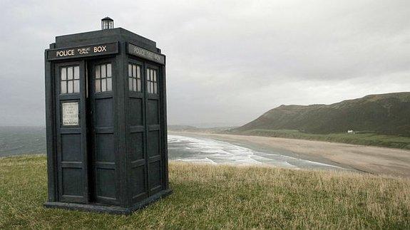 TARDIS украсит любой пейзаж