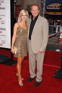 Ли Мэйджерс с женой