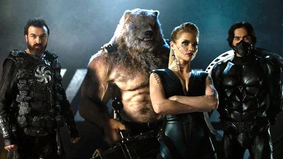Человек-медведь спулеметом: Кого напоминают персонажи «Защитников»?