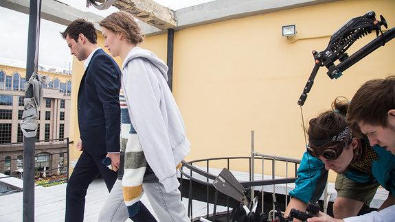 На съемках сериала «Все сложно» / Фото: Ксения Угольникова