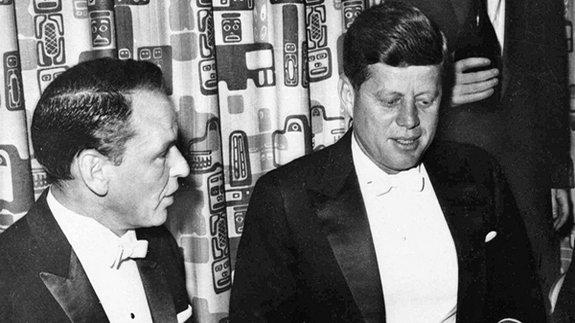 Актер и певец Фрэнк Синатра и президент США Джон Кеннеди