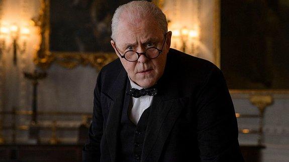 Джон Литгоу вроли Уинстона Черчилля всериале «Корона»