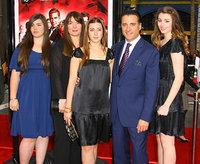 Энди Гарсиа с семьей
