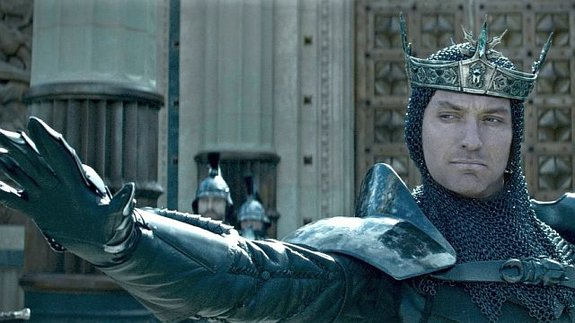 Джуд Лоу вфильме «Меч короля Артура»