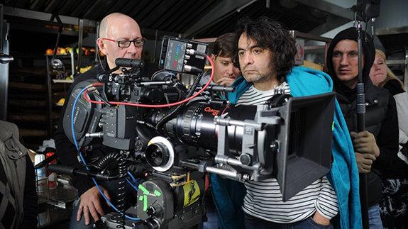 Джаник Файзиев на съемках фильма «Август. Восьмого»