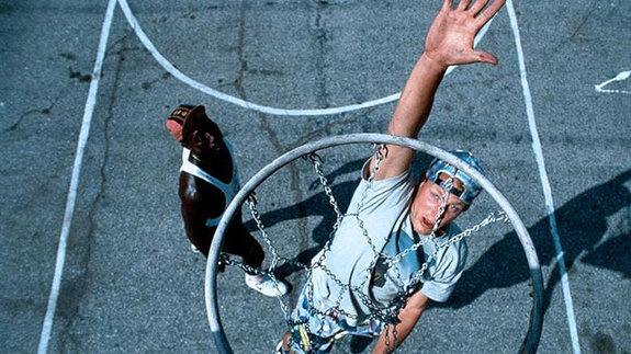 Студия Fox захотела переснять картину «Белые люди не умеют прыгать»