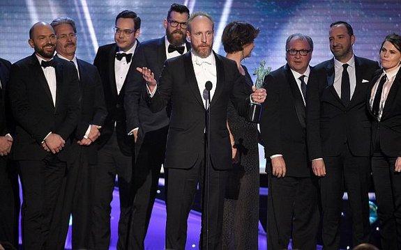 Актеры сериала «Вице-президент» насцене / Фото: Getty Images