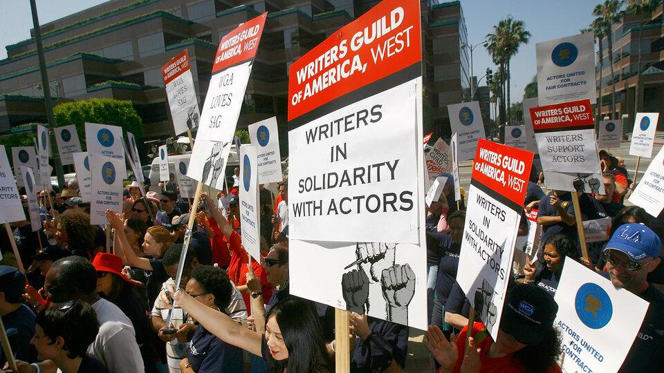 Протесты сценаристов в  2008 году / Фото: Getty Images
