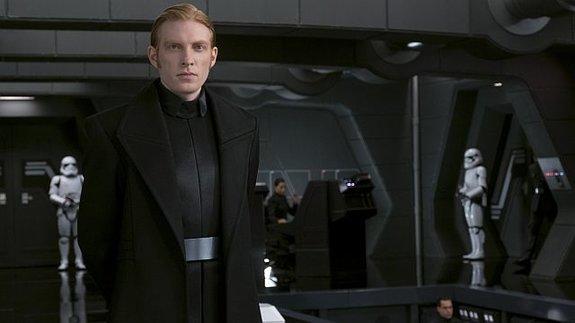 Новости Звездных Войн (Star Wars news): Русские Twitter-боты встали на защиту генерала Хакса из «Звездных войн»