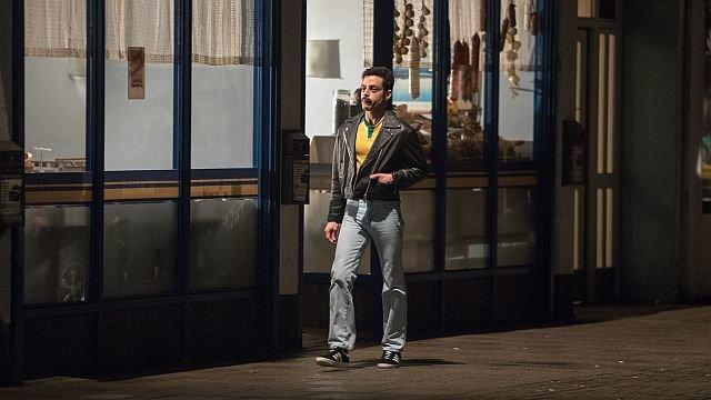 Рами Малек вобразе Фредди Меркьюри насъемках фильма «Богемская рапсодия»