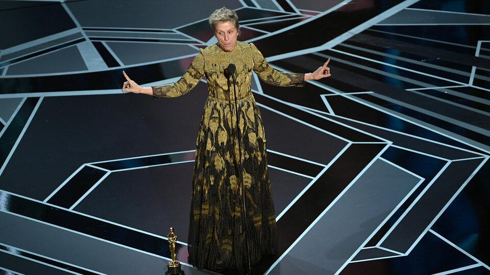 Фрэнсис МакДорманд на церемонии «Оскар» / Фото: Getty Images