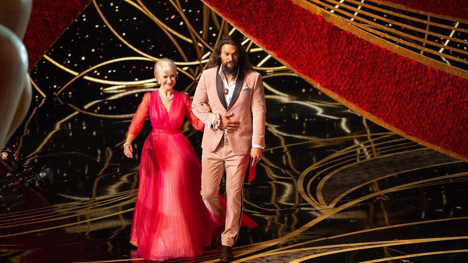 Хелен Миррен и Джейсон Момоа на «Оскаре-2019»  / Фото: ©A.M.P.A.S.