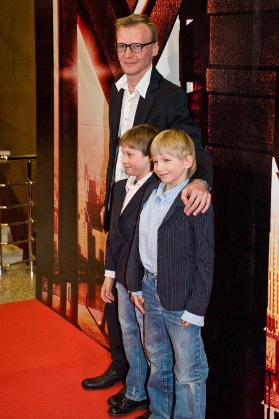 Алексей Серебряков с сыновьями