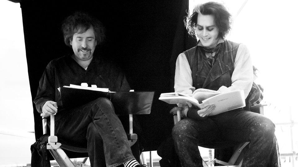 Тим Бёртон и Джонни Депп на съемках фильма «Суини Тодд, демон-парикмахер с Флит-стрит»
