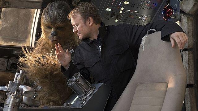 Райан Джонсон на съемках фильма «Звездные войны: Последние джедаи»