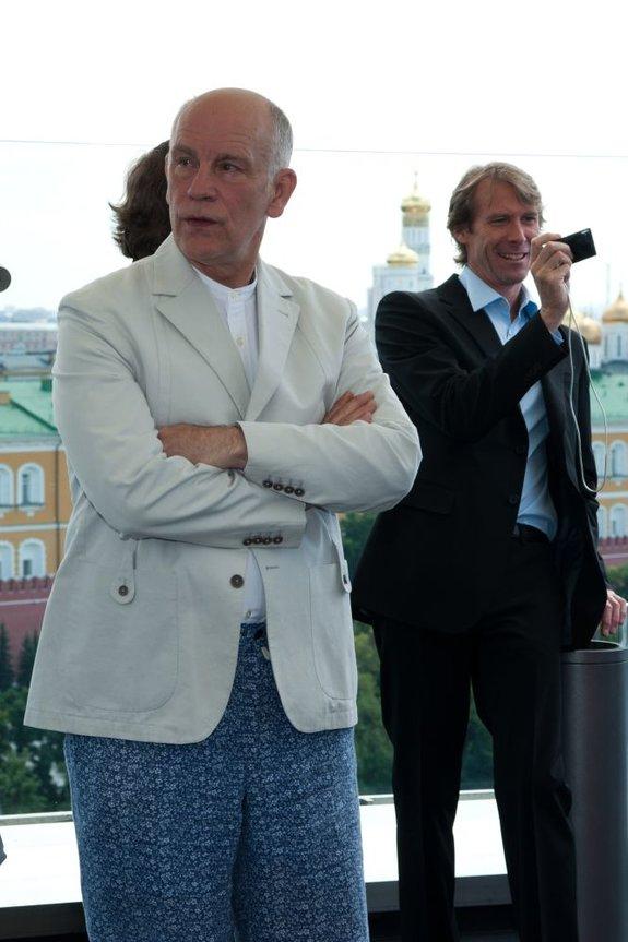 Джон Малкович и Майкл Бэй