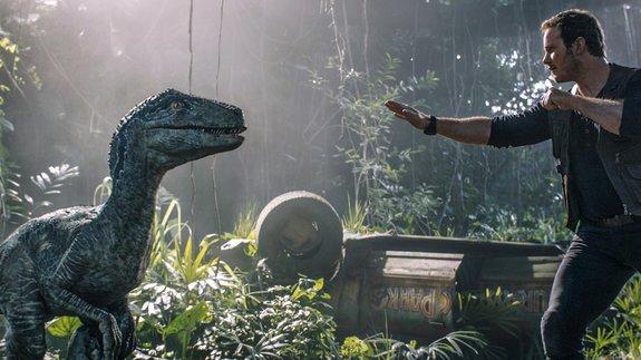 Мировой бокс-офис: Динозавры подрали супергероев
