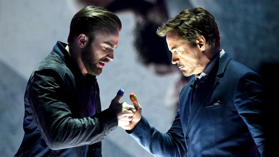 Крис Эванс и Роберт Дауни-младший / Фото: Getty Images