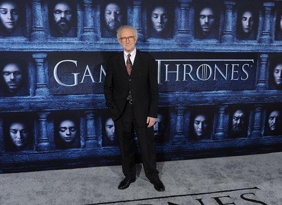 Джонатан Прайс напремьере шестого сезона «Игры престолов»