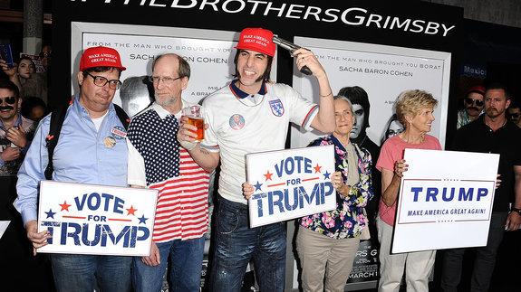 Саша Барон Коэн на премьере фильма «Братья из Гримсби» / Фото: Getty Images