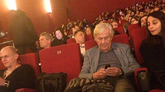 Демократичный Берлин: Президент жюри Пол Верховен смотрит конкурсный фильм вместе с прессой