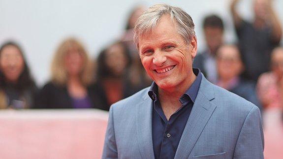 Вигго Мортенсен дебютирует в режиссуре драмой о геях