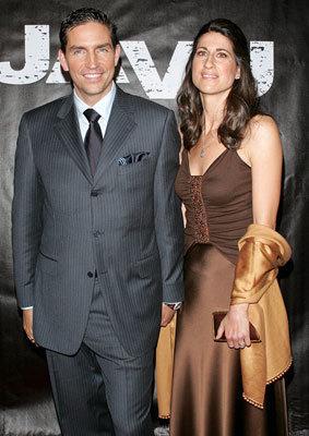 Джеймс Кэвизел с женой