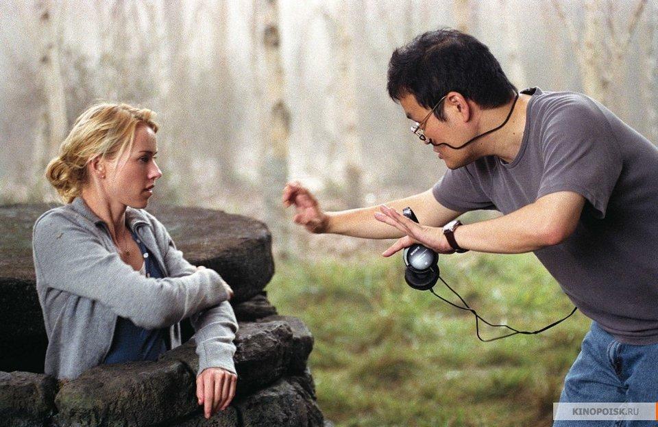 Наоми Уоттс и Хидэо Наката на съемочной площадке фильма «Звонок 2»