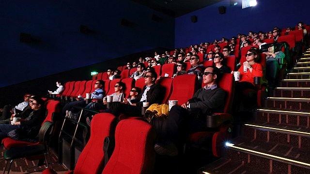 Просмотр кино в формате 3D в одном из кинотеатров Пекина / Фото: Getty Images