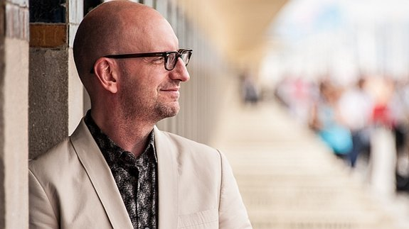 the cinematic styles of steven soderbergh essay View steven soderbergh research papers on academiaedu for free.